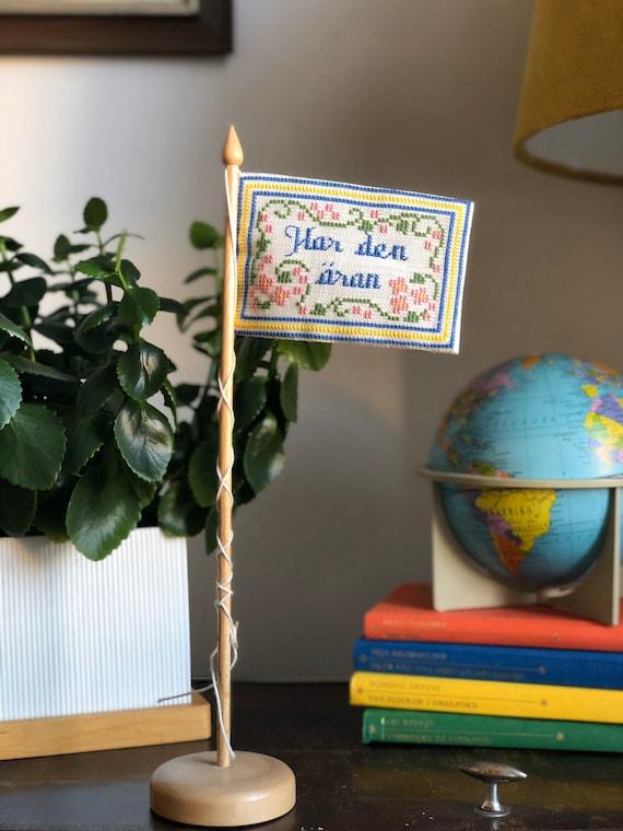 Traditional Swedish Birthday cross stitch flag needlepoint table decor, tray decor Happy Birthday flag / har den äran