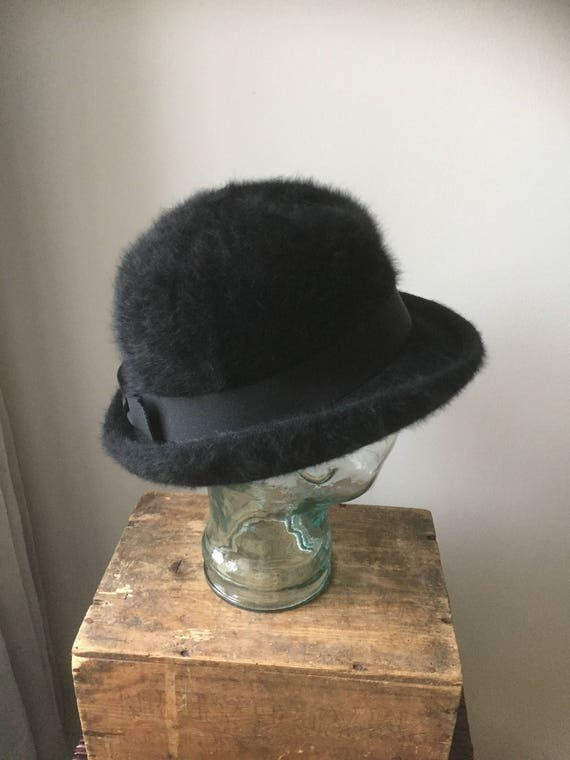 Vintage/Kangol/hat/angora/black/made in England/bowler style /cloche