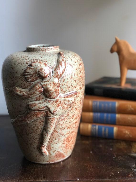Laholm ballerina vase signed studio pottery Scandinavian modernist Sweden stamped signed beige rust earth tones