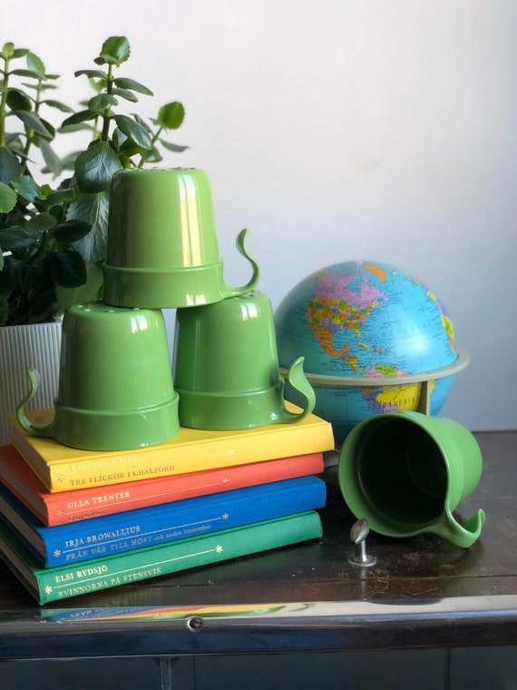 Vintage ikea hard plastic green stackable cups made in Sweden / mugs