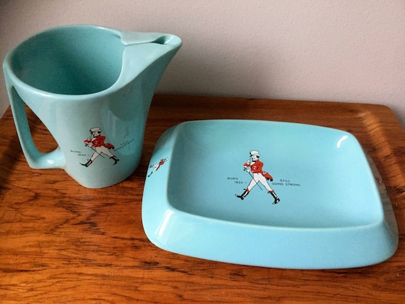 Wade/Johnny Walker/water jug/tray/water pitcher/cigar tray/ashtray/pottery/Art Deco/art nouveau