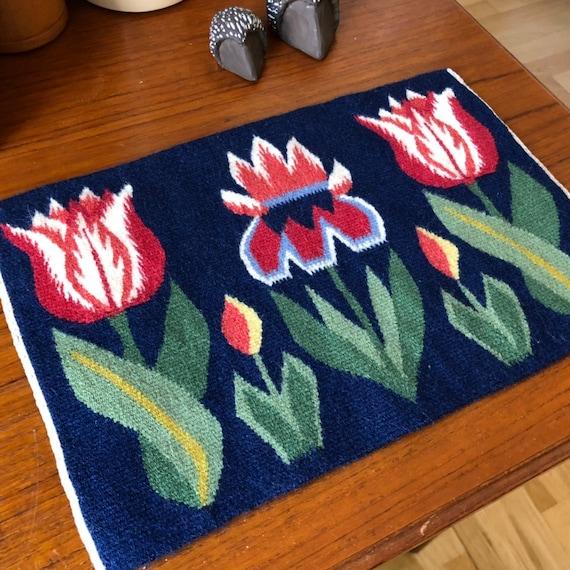 Wall hanging kilim handwoven flemish wool flemish flowers tulip nanna chic tapestry retro modernist Scandinavian