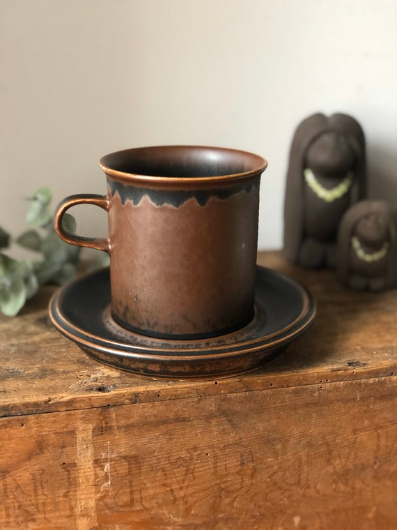 Vintage arabia XL ruska ulla procope coffee cups and saucers finnish design minimalistic midmod Scandinavian earth tones