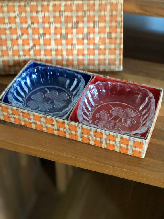 Pair glass snack bowls with clovers in original box peanut bowls 1950s