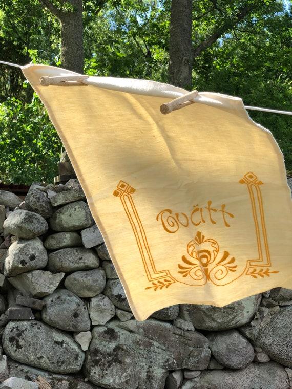Vintage linen laundry bag Antique beige natural fibers Scandinavian Linen hand embroidered Tvätt / Laundry pattern yellow
