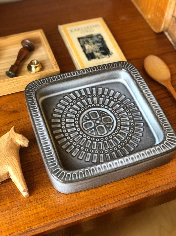 Mari Simmulson Upsala Ekeby large ashtray grey Swedish design