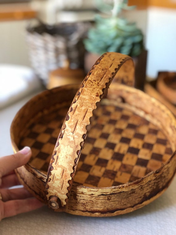 Checkered Swedish folk art woven birch tray bottle cabin decor birch basket weaving Scandinavian handmade folk art