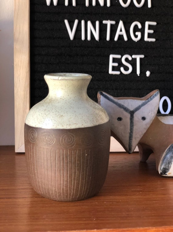 Small Sonja Andersen vase signed studio pottery Scandinavian modern Sweden stamped