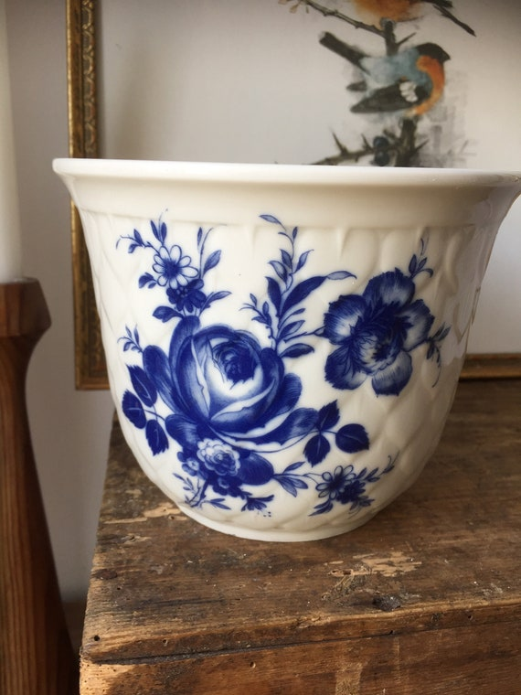 Victorian  Chinoise planter Seltmann /Weiden - Barvarian in perfect condition 1940s West Germany art nouveau chinoiserie blue and white