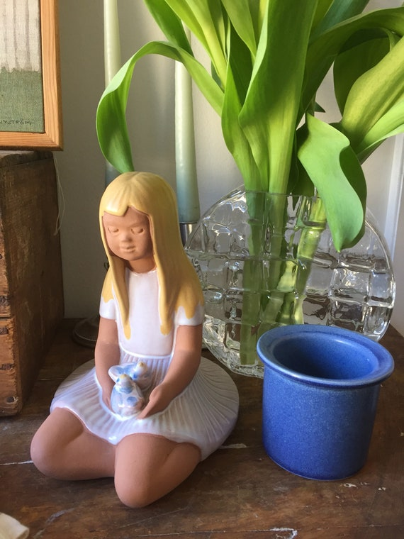 Swedish girl JIE figurine midcentury modern scandinavian blonde Swedish girl with birds Scandinavian modern Wabi sabi
