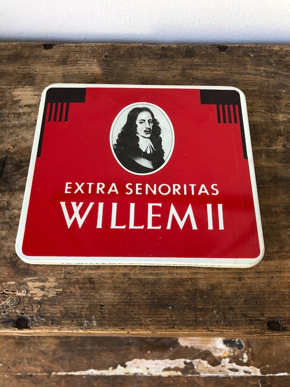 Willem II cigarette tin tin box cigarette Virgina cigarettes  tobacco senoritas / Holland