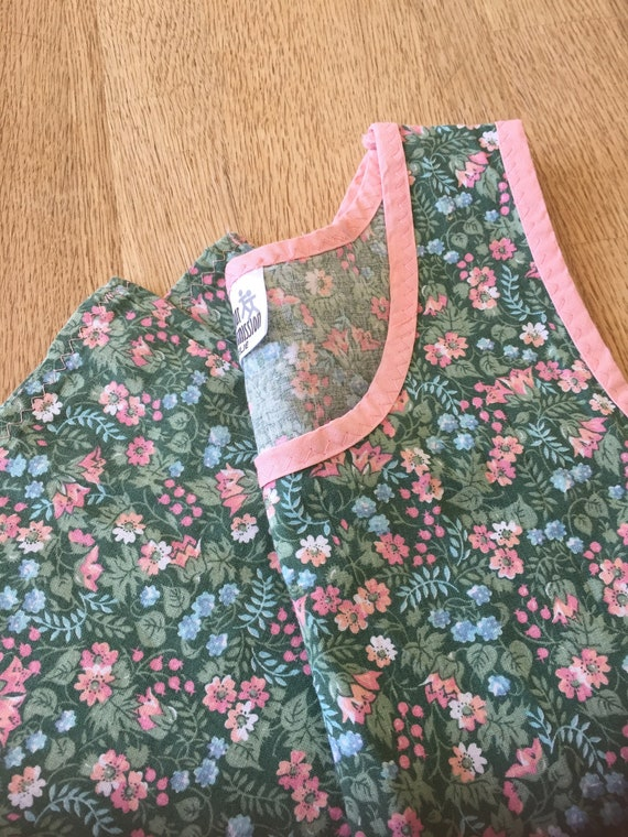 Girls/sweet/aline/Pink/Green/floral/handmade/simple/dress/pink edging/scandinavian/ Swedish