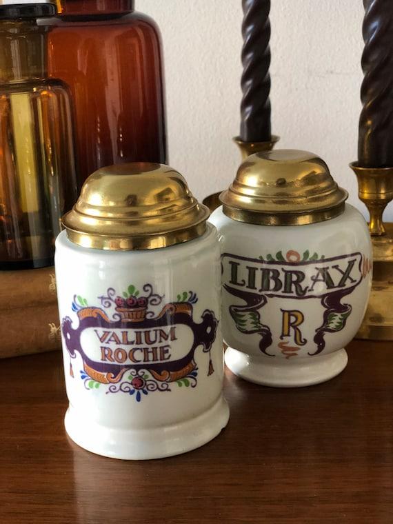 Pair of Vintage ceramic apothecary pharmacy pharmaceutical Dutch Zenith AZ 1749 Librax R medical Valium roche  jars metal lids