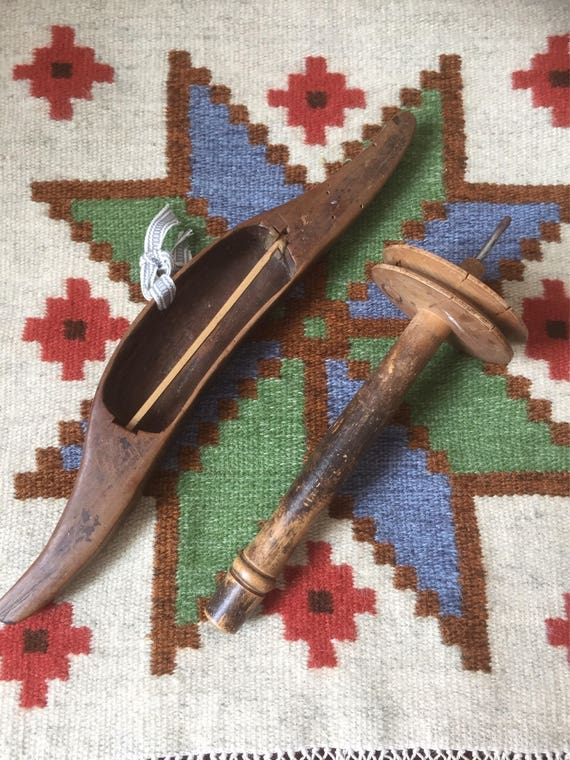 Primitive /Scandinavian/weaving/tools/shuttle