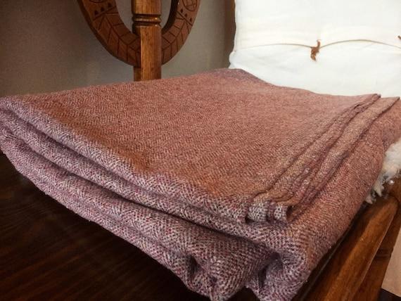 large/herringbone/ plum millennial pink/material/thick wool cotton blend/Swedish/Còsagach