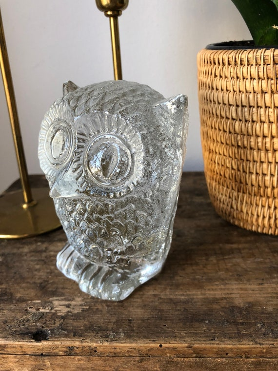 Larger Modern owl glass sculpture figurine for Pukeberg glassworks by Uno Westerberg /1960s Modernist / crystal