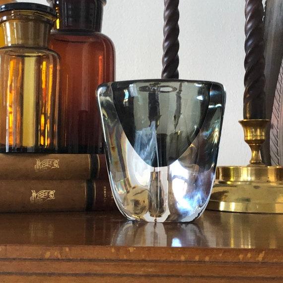 Orrefors signed Nils Landberg vase in heavy crystal from the dusk series Swedish glass vase