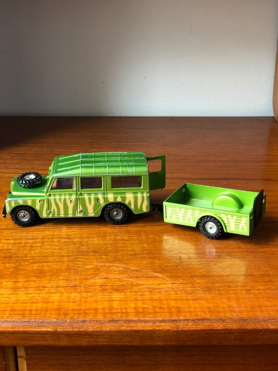 Vintage toy cast landrover and trailer / gorgi toys made in Great Britain