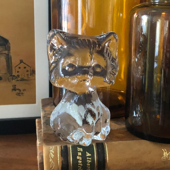Vintage glass cat figurine by Edna glassworks kitten pussy cat series 1970s cat