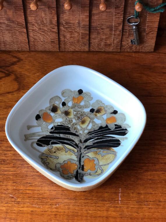 Royal Copenhagen of Denmark Trinket bowl from the SIENA series designed by Ivan Weiss