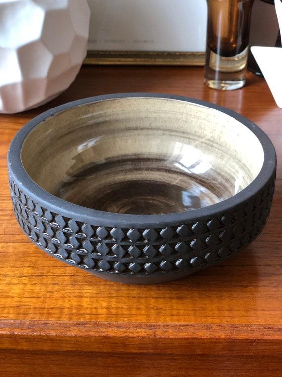 Ulla Winblad for Alingsås Keramik brown relief bowl with beige glaze studio pottery