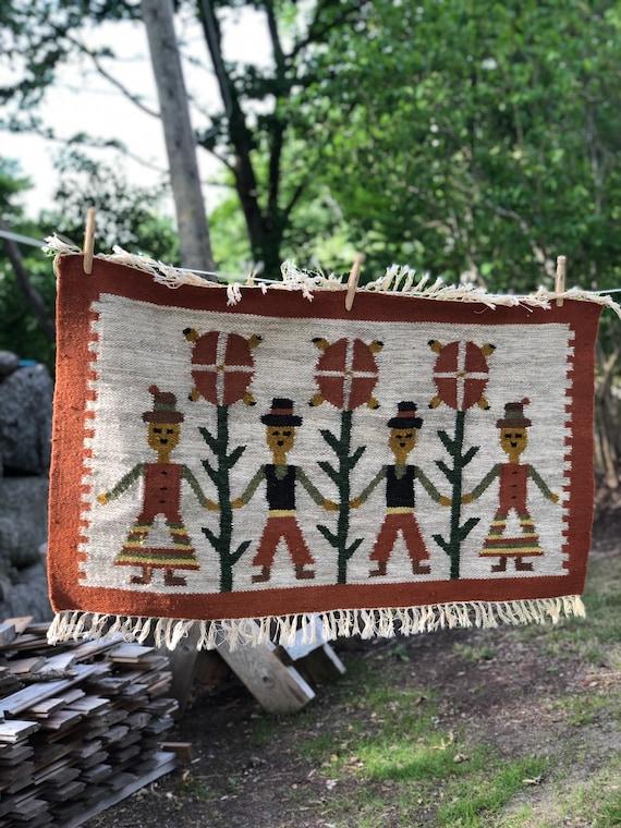 Boho thick Handwoven tapastry wool/wallhanging bohemian Danish small rug folk art motif