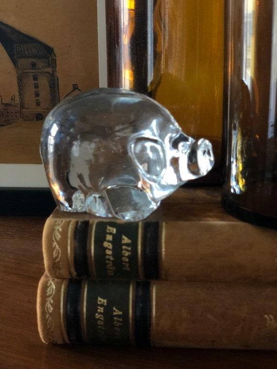 Swedish crystal glass pig figurine paperweight