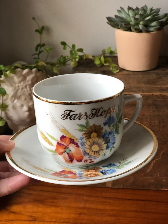 Swedish vintage father's cup tea cup and saucer / fars kopp 1960s floral pattern / purple pink and yellow flowers