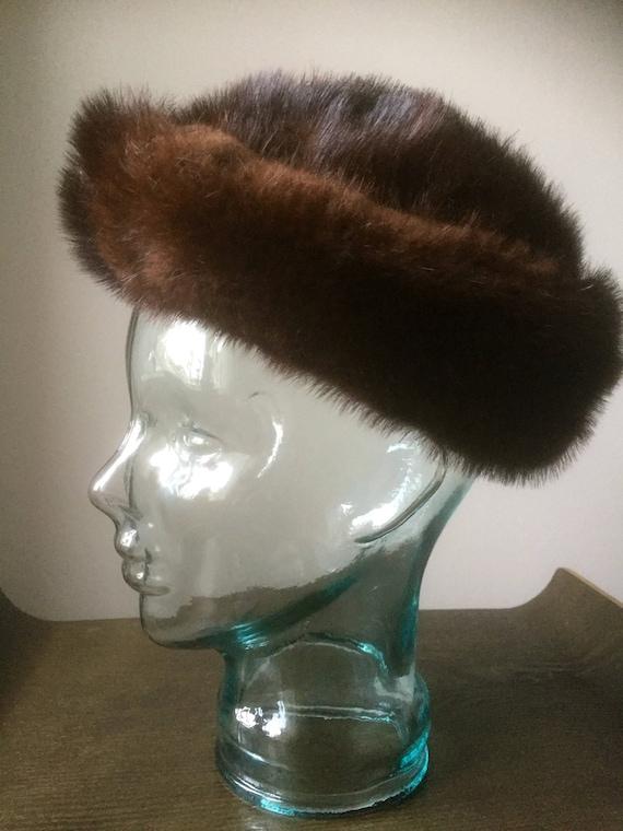 Vintage fur hat /vintage/fur/soft /lined/ladies/winter hat/great shape