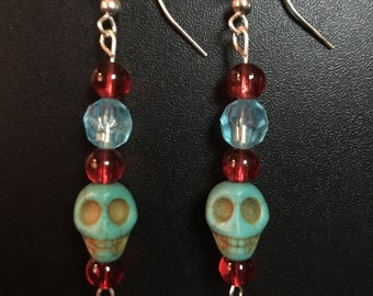 Skulls Light Blue-Red Beads