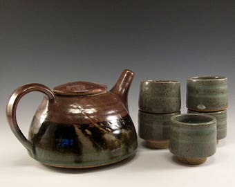 Artist Tea Set - Wheel thrown tea pot and five cups - Circa 1980's