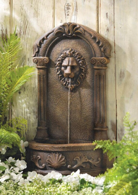 "23"" Lion's Head Courtyard Fountain"