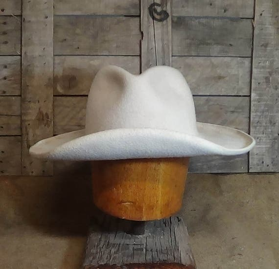 ec17d543a39 The Hero Cowboy Hat Classic Western Movie Character hat