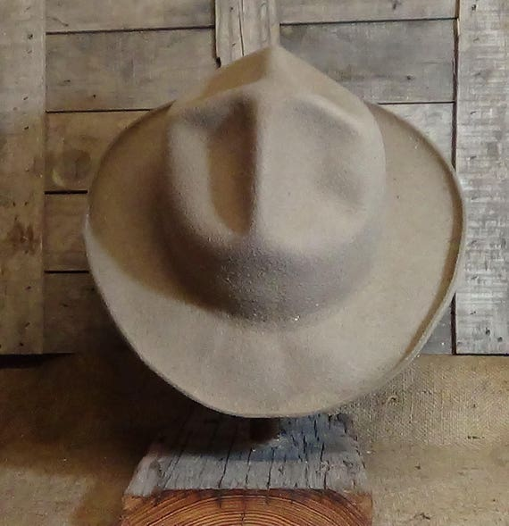 Mon Grizz short brimmed Montana Peak historic cowboy hat  265f0a0b085