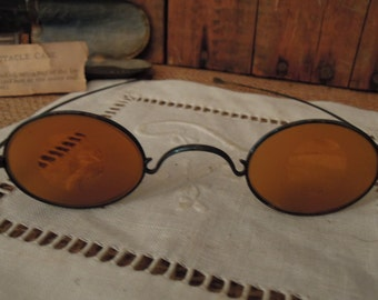 06c501a8eafa Antique Spectacles and Metal Case   Civil War Sharp Shooter   Amber Lens  Wire Rim Oval Eye Glasses