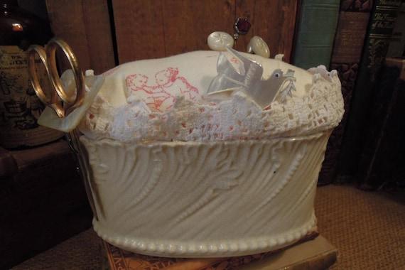 Coussin Vintage fait main en Pin / Vintage Sewing / Re proposait rustiques / coussin à épingles faites à la main / coussin Vintage Toile Pin / chêne