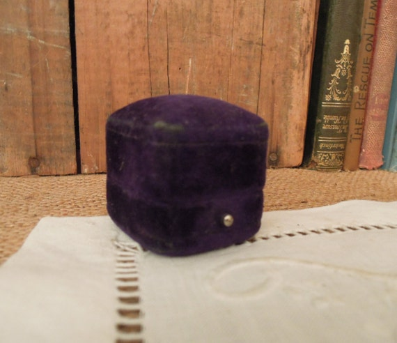 Vintage Victorian Purple Velvet Ring Box / Weddin… - image 3
