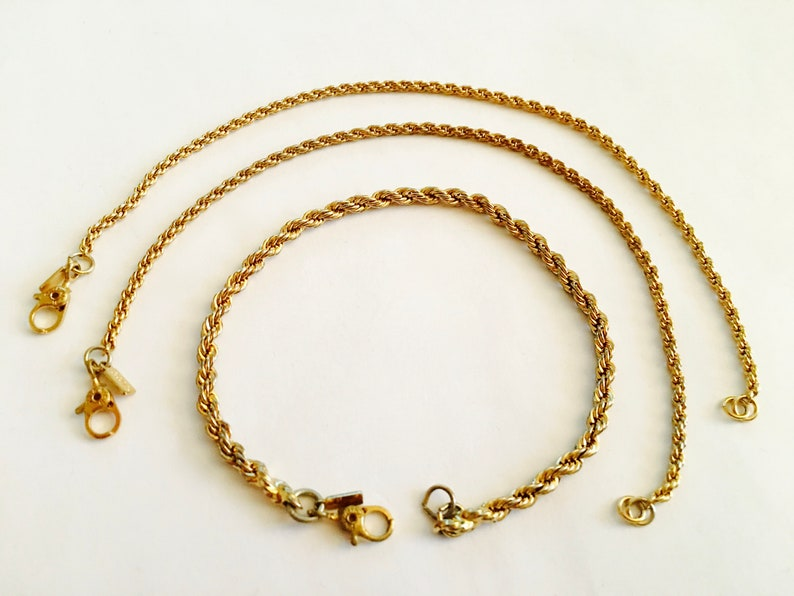 Golden Tone Shiny Thick Wrapped Chained Links Clear Fashion Rhinestone Necklace