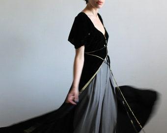 30's goddess gown / 30's velvet gown / vintage velvet dress / silk velvet gown / full sweep skirt / true vintage / 30's gown / 30's dress