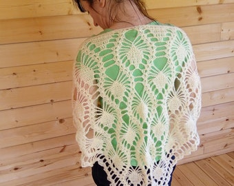 Ivory lace shawl. Woman's tippet. Warm crochet triangle stole.