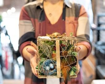 Gold Gift Box Bird Nest Christmas Arrangement
