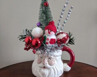 Retro Christmas Santa Mug Arrangement