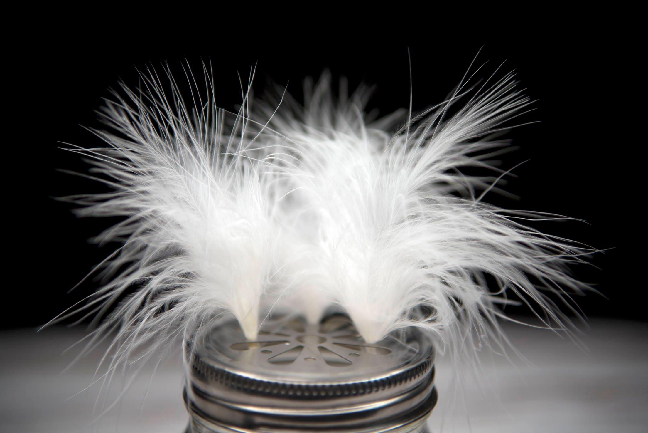 100 x Marabou blanche de très moelleux de blanche dinde plumes 7-10cm e7b7b7