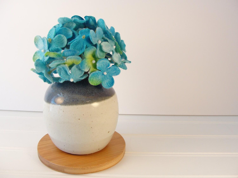 Idee Deco Vase Rond small round vase, small bud vase, flower vase, ceramic bud vase, pottery  flower vase, table decoration, bathroom decor, small gift ideas.
