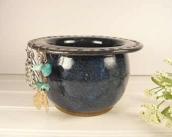 Earring bowl, Jewelry holder, Earring holder, Jewelry bowl, Jewelry Organizer, Earring Organizer, Pottery gift, Small gift for women