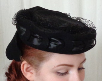 410612567b292 Vintage 1940 s Black Forward Tilt Hat