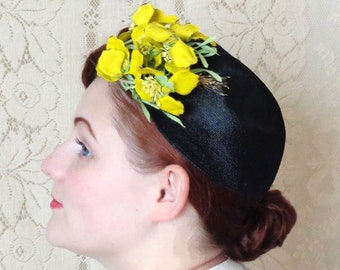 Vintage 1940's Bright Canary Floral Fascinator Topper, Large Bunch of Vibrant Yellow Millinery Flowers, Gage Brothers & Co. Chicago New York