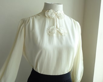 "Vintage 1950's Cream Rayon Eyelet Bows Keyhole Blouse, Long Full Sleeves, Gathered Cuffs - Sidney Heller, NY, - 34""-40"" Bust, 32"" Waist"