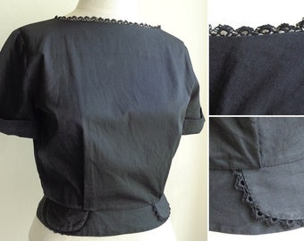 "Vintage 1950's Black Cotton Boat Neck Blouse, Lace Trim, Faux Round Pocket Detail, Short Sleeve Box Top by Revere - 36-38"" Bust, 28"" Waist"