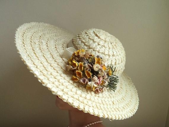 Vintage 1940's Wide Brim Cream Straw Hat, Yellow … - image 10